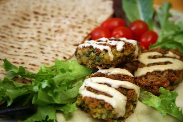 Mediterranean Diet Recipes: Falafel with Tahini Sauce