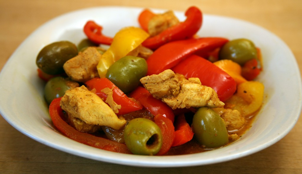 Mediterranean Diet Recipe: Chicken Tagine with Peppers and Green Olives