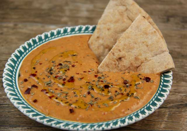 Mediterranean Diet Recipes: Red Pepper Hummus