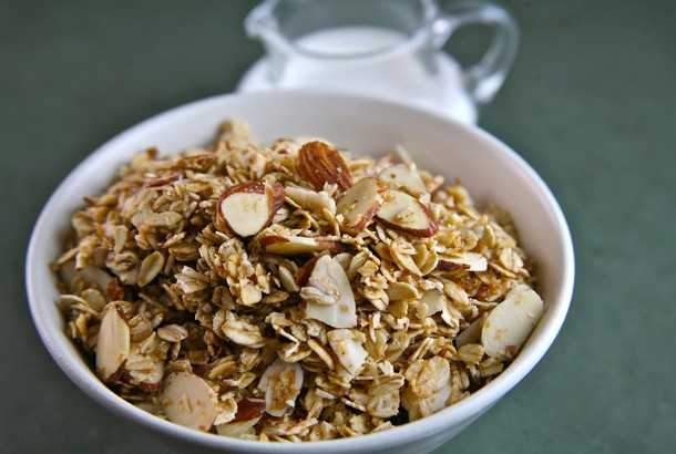 Mediterranean Diet Recipes: Maple Almond Granola with Coconut