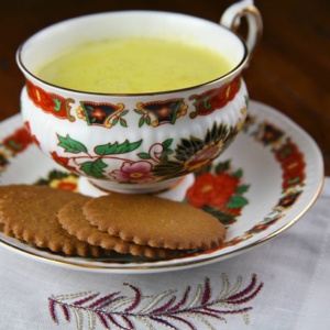 Mediterranean Diet Recipes -Creamy Turmeric Drink with Honey and Ginger