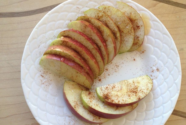 Apples and Cinnamon Treat