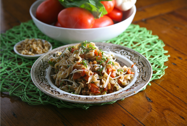 Mediterranean Diet Recipes: Egg Noodles with Basil and Walnuts