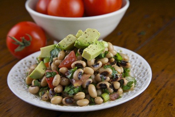 Mediterranean Diet Recipes: Black Eyed Bean and Avocado Salad