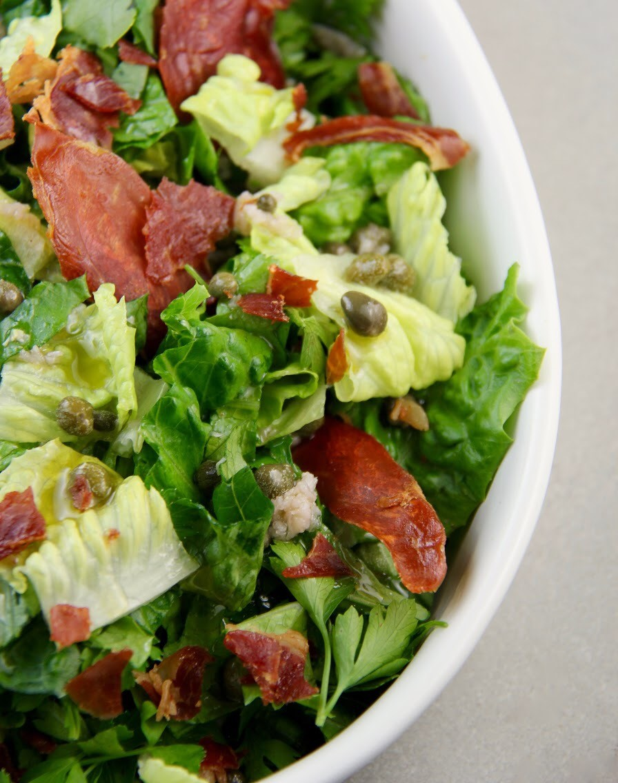 Mediterranean Diet: Arugula and Romaine Salad with Capers and Prosciutto