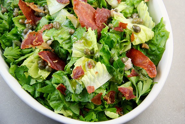 Mediterranean Diet Recipes: Arugula and Romaine Salad with Capers and Prosciutto