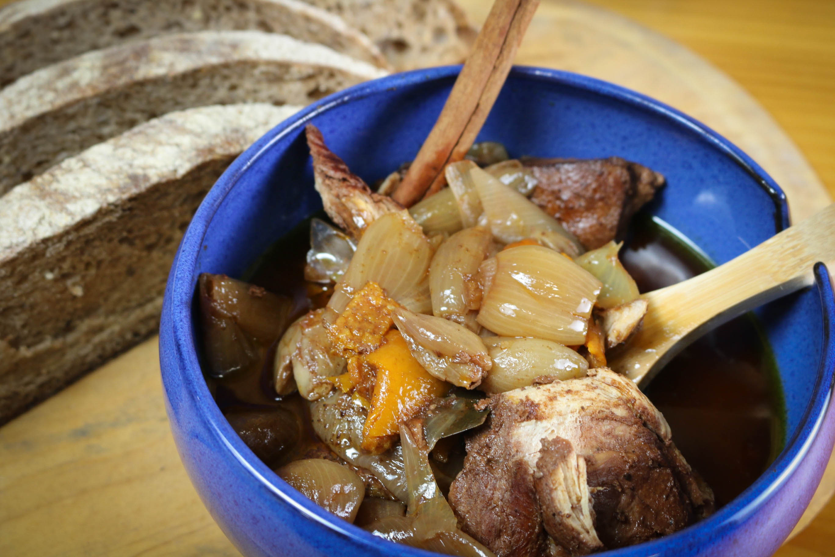 Mediterranean Diet: Chicken Stifado in Bowl