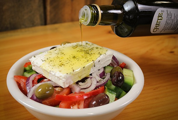 Mediterranean Diet Recipes: Authentic Greek Salad