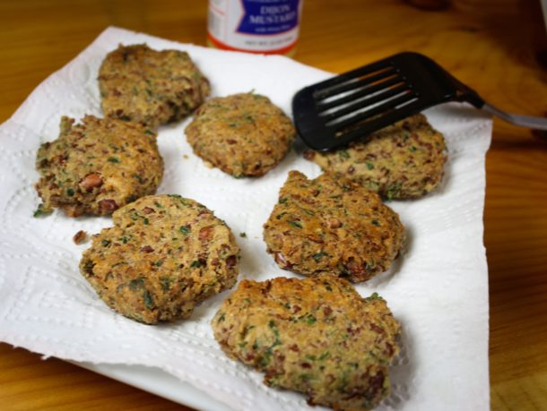 Mediterranean Diet Recipe: Bean Burger with Garlic and Sage
