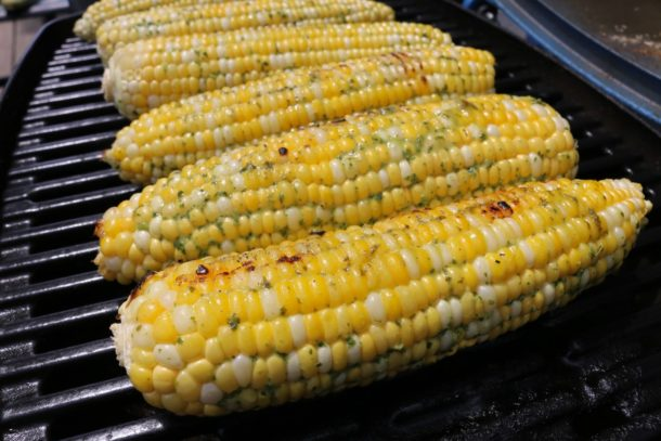 grilled corn recipe with green tahini sauce