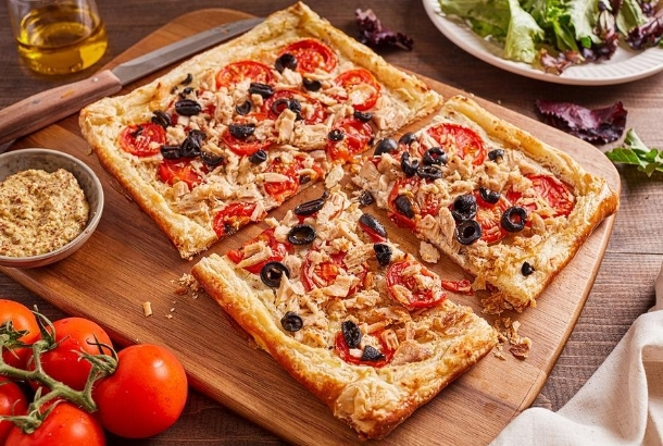 Best Canned Tuna Recipe: Puff Pastry with Tuna, Tomatoes and Olives (France)
